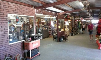 The Flea Market at Renninger's Mount Dora Fl
