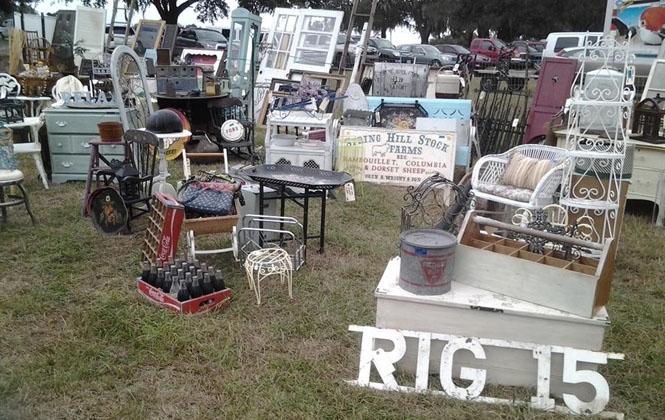 IRenninger's Antique & Collector's Extravaganza November 14-16.